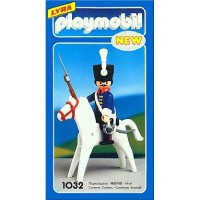 Playmobil 1032 Husar guardia Real (editado por Lyra)